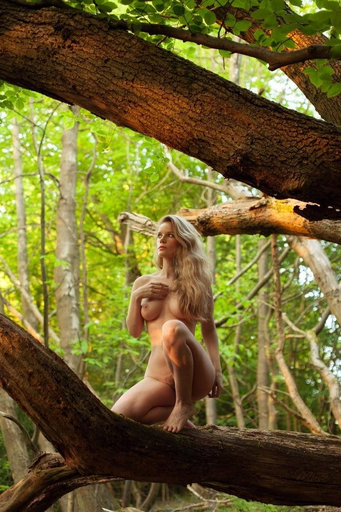 nude-jungle-women-video