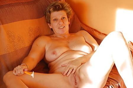 Renate nackt oma Besuch bei