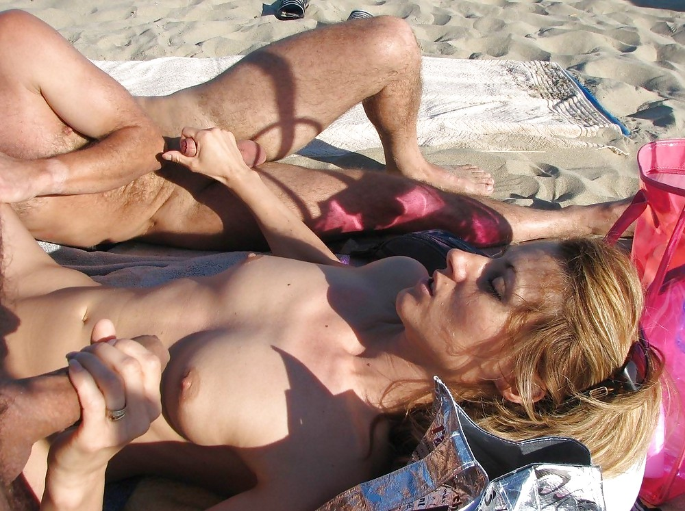Horny college couple is fucking in the public
