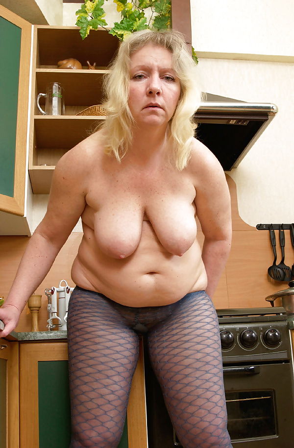 Mature tits mom-9487