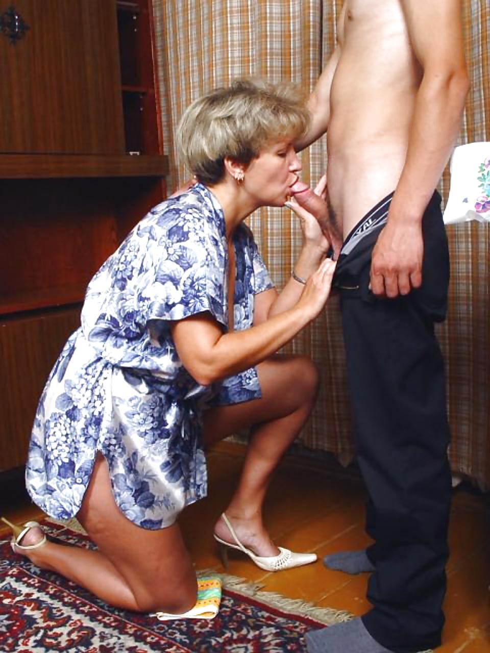 порно пацан и его сексуальная тетя испытает