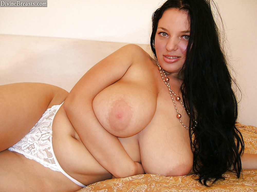 Incredible Busty Joanna Bliss In Lesbo Sex Photo