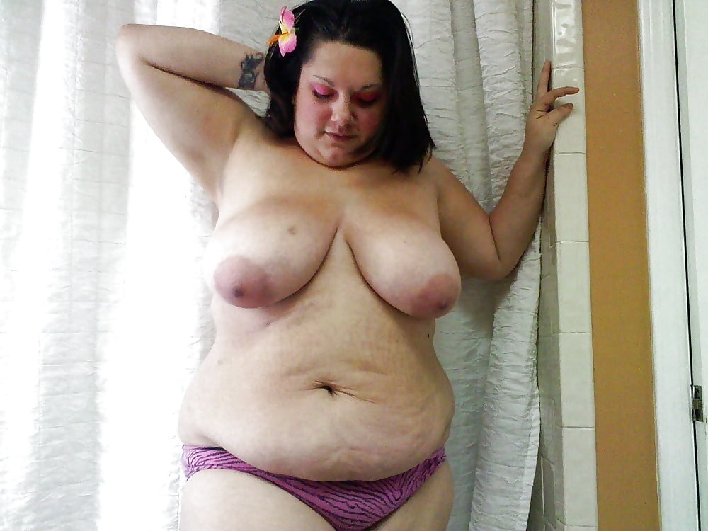Stretch Mark Housewife Naked