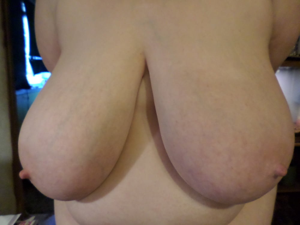 Natural boobs threesome-9127