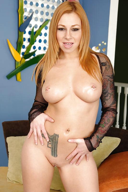Sexy Scarlett Pain Taking A Surprise Cum Shot