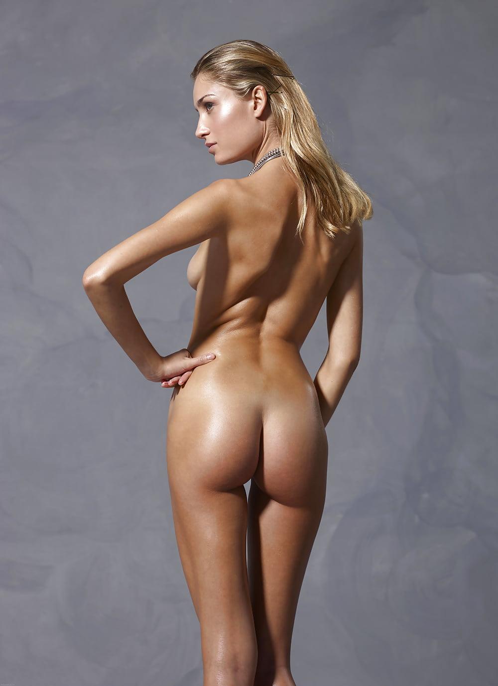 femdom-tube-top-model-nude-pic