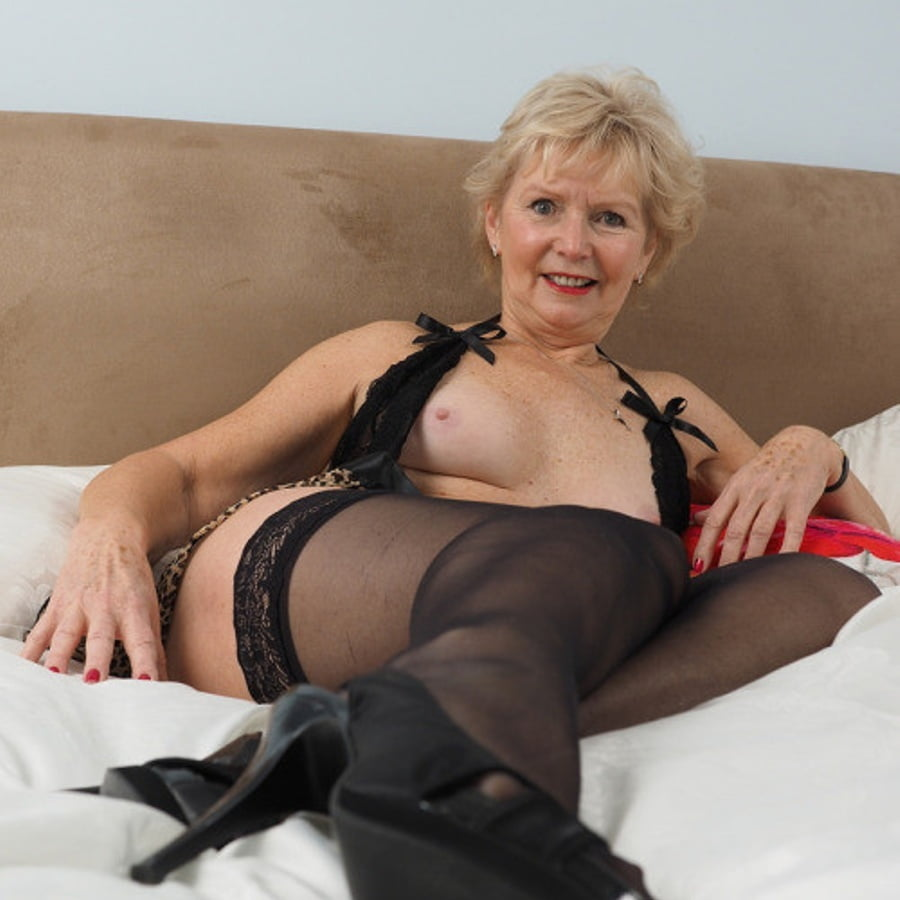 mature-british-sexy-grannies-huge-clit-and-cock-sex