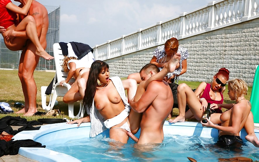 bare-women-in-pool-sex-party