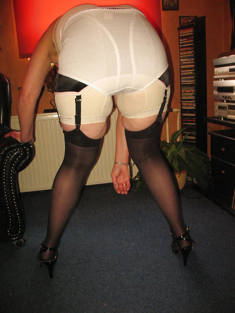 bra-girdle-pantyhose-porn-thumbs-tights