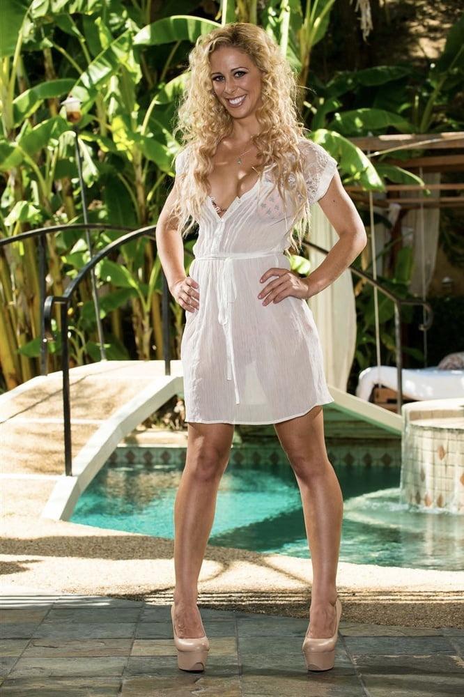 Curly Blonde Slut 40 - 16 Pics