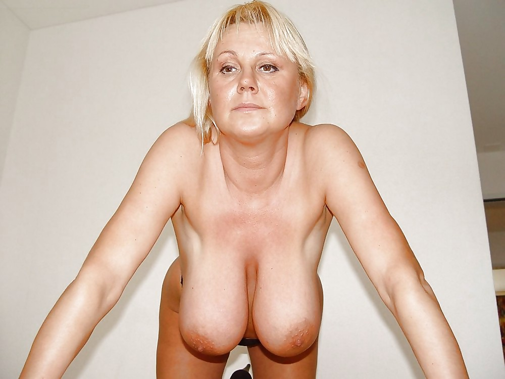 Free big tits, gonzo, saggy tits pictures