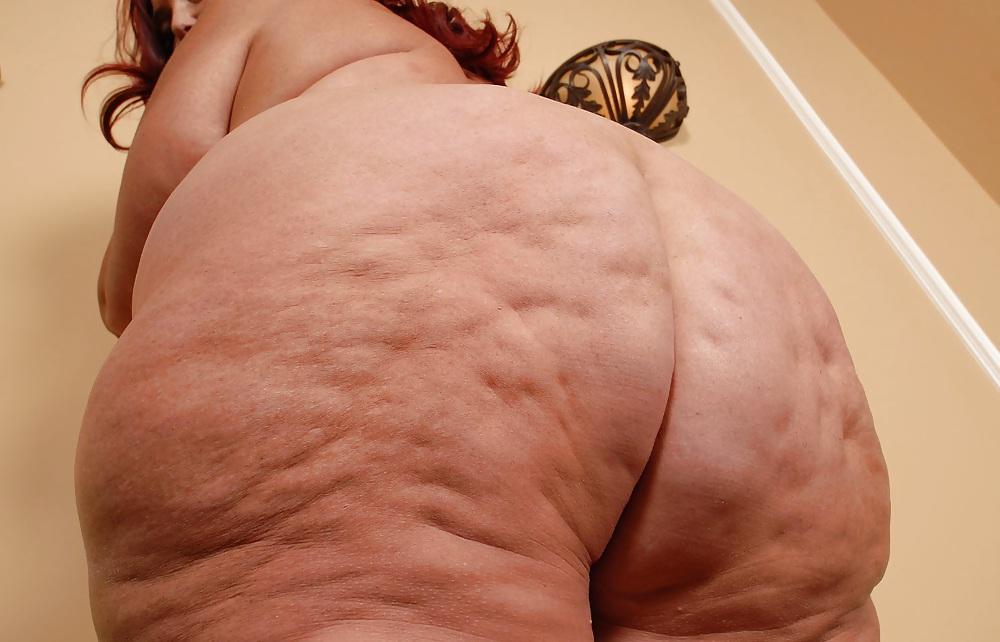 Фото огромная целлюлитная жопа мол