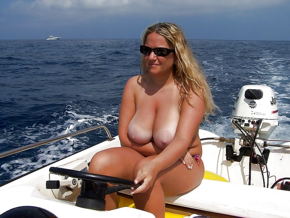Sexy boat milf — photo 5