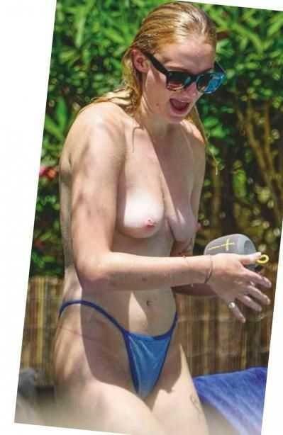 Turner naked sophie Nudes of