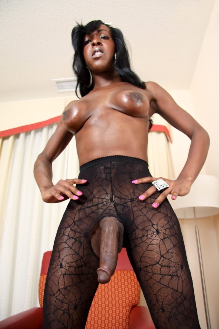 black-shemale-surprise-tube