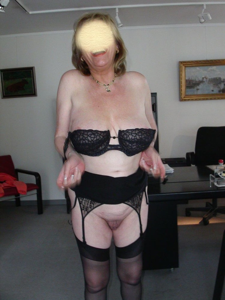 Older women saggy tits