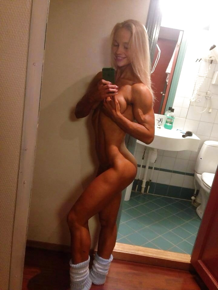 couples-muscle-girl-nude-selfie-wives-passed-out