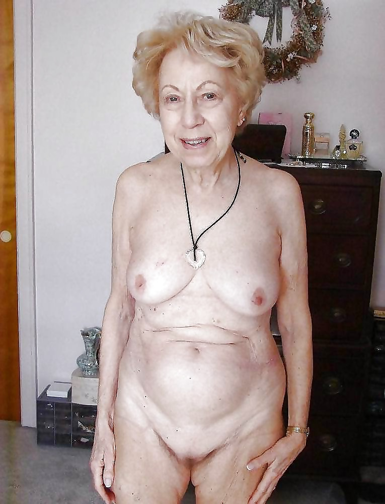 Pretty nude grandmothers 15