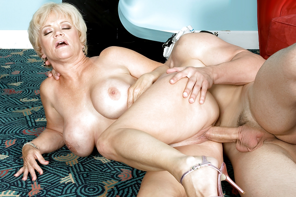 Free sex mom mature granny love — 12