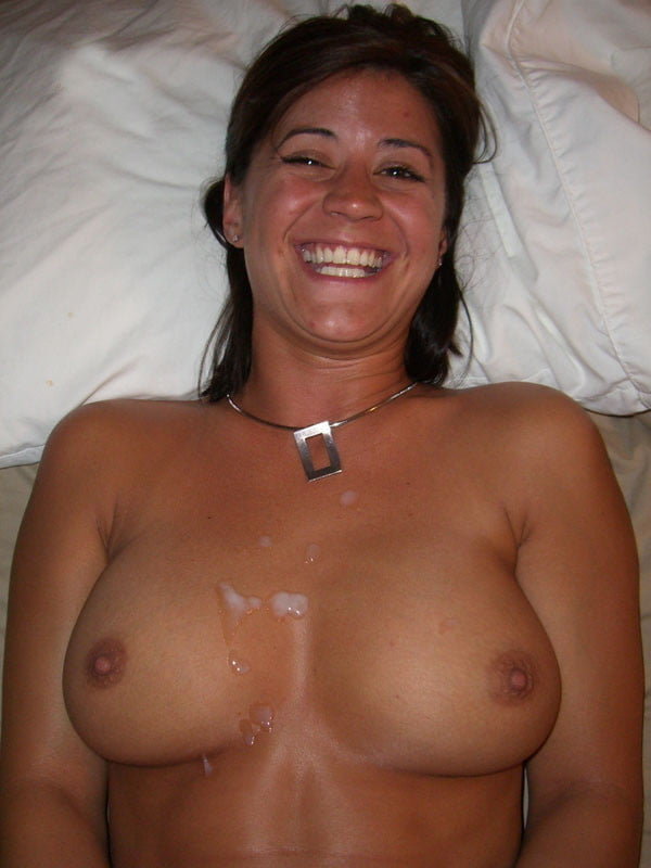 Cumshot topless girlfriend