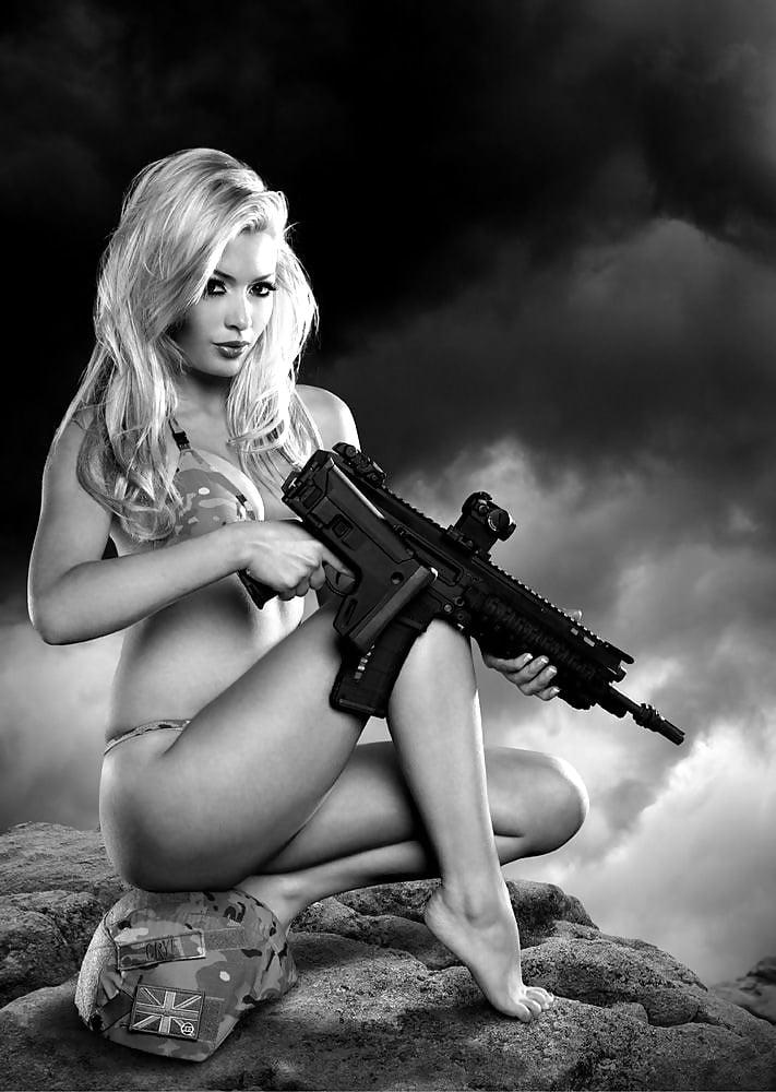 эротические картинки с пистолетом - 3
