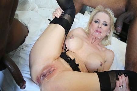 Nude tits suck
