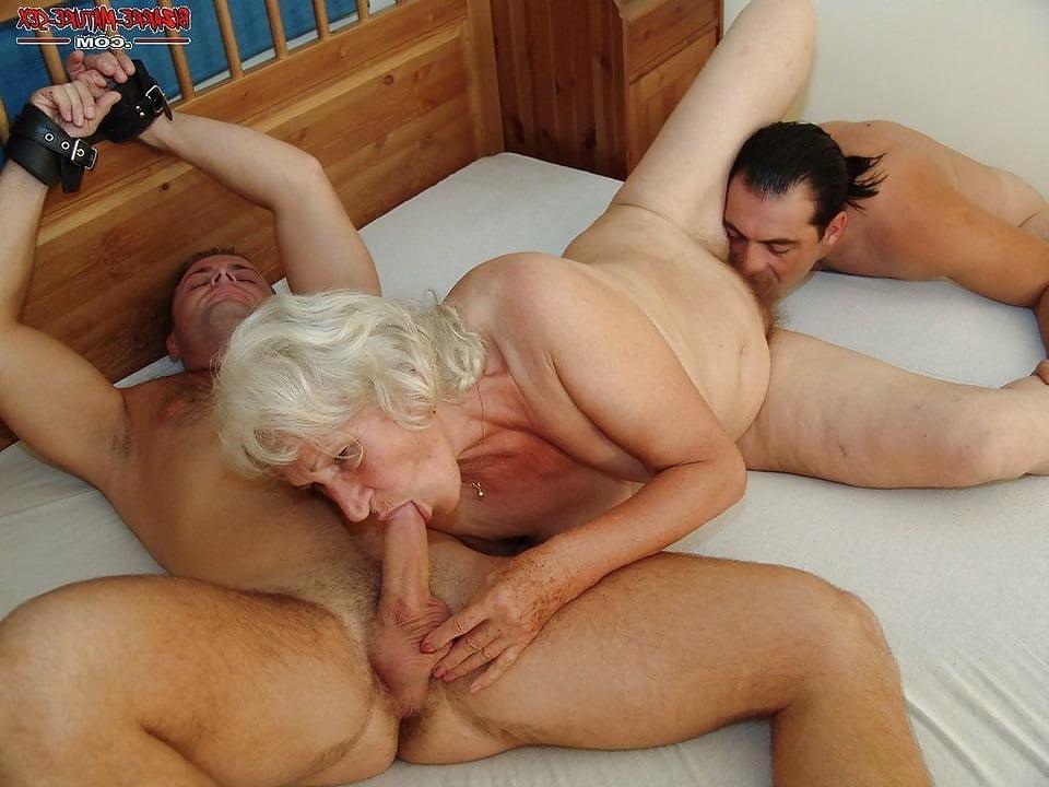 Porn old cougar-3667