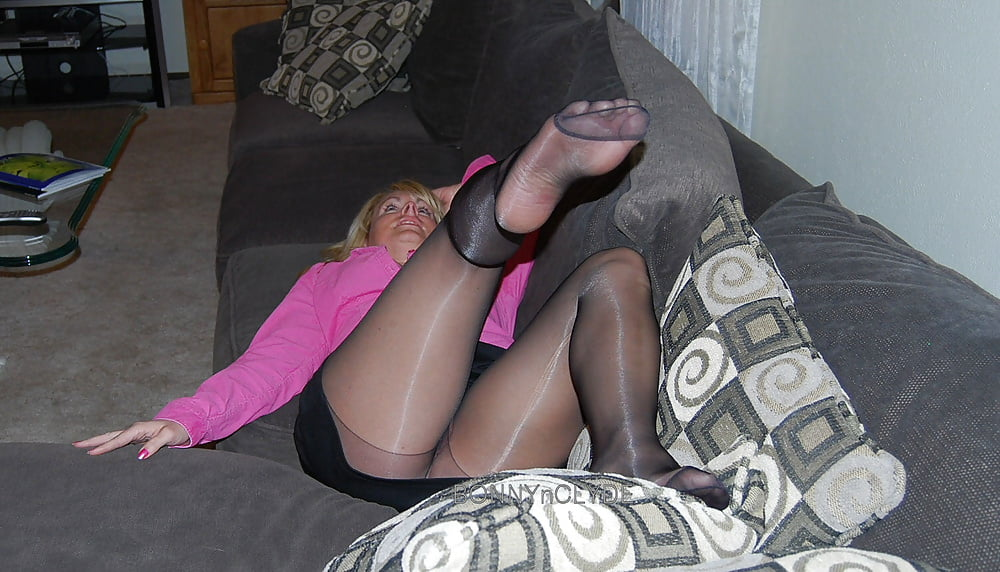 See and save as amateur pantyhose feet porn pict