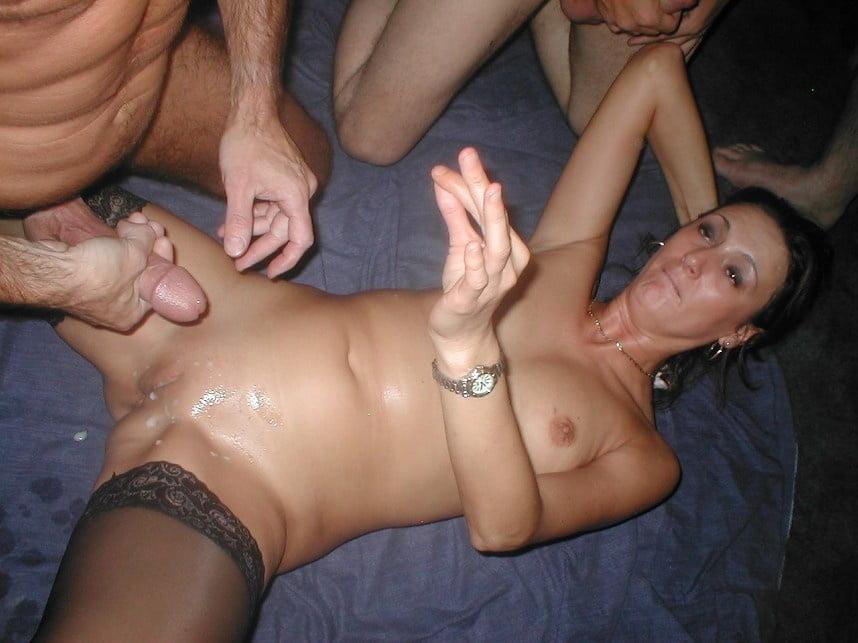 Самое огромное порно фото обконченных жен свингеров