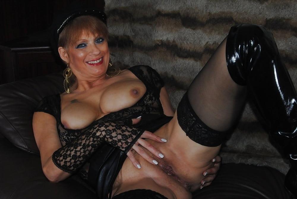 старые проститутки индивидуалки питера упала пол