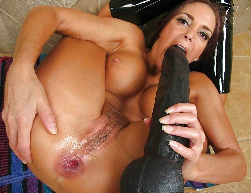 Vickie Brutal Dildos Pussy Penetration And Try Fisting Sex Full Hd