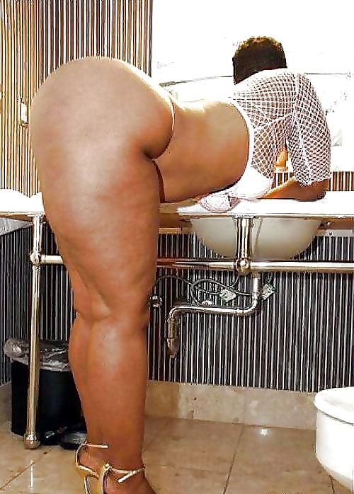 Mature Mom Big Ass Thick Thighs