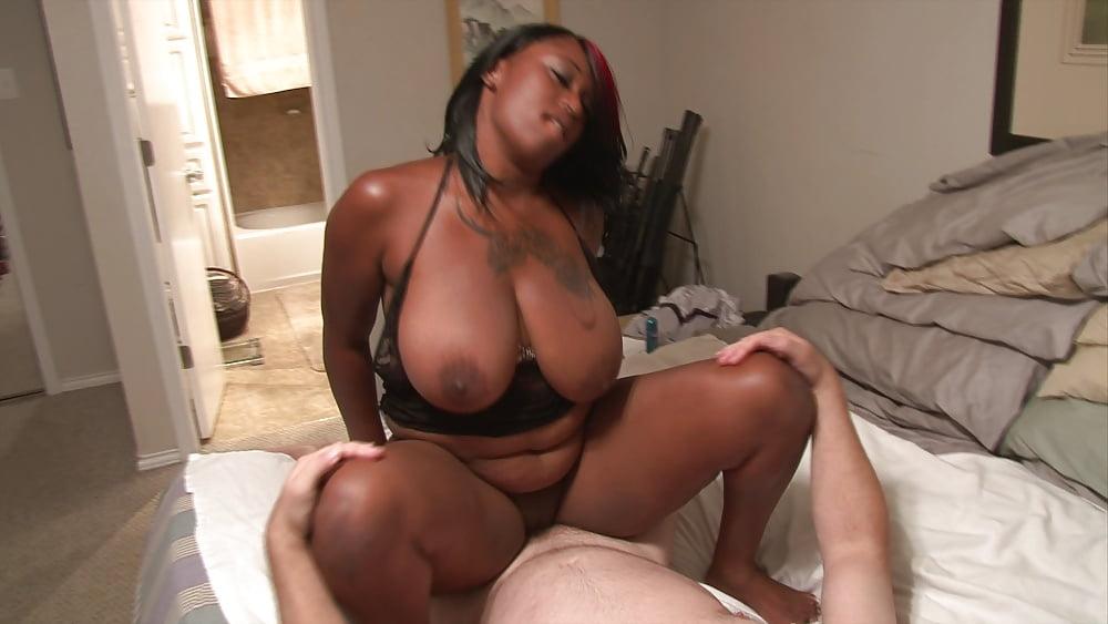 Ebony milf sierra lewis big boobs