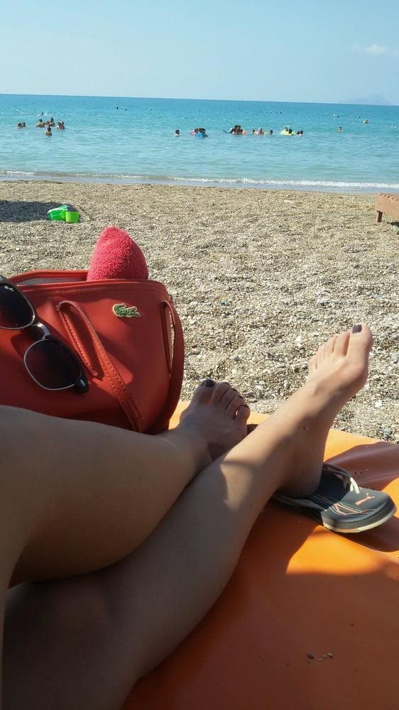 Sexy turkish women's feet 6 - 10 Pics