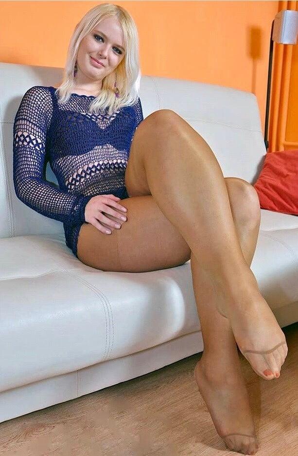 Sexx i am wearing pantyhose