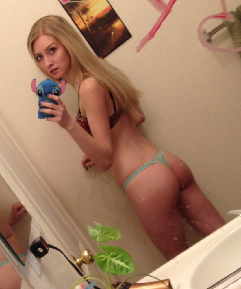 Stacy exposed - 48 Pics