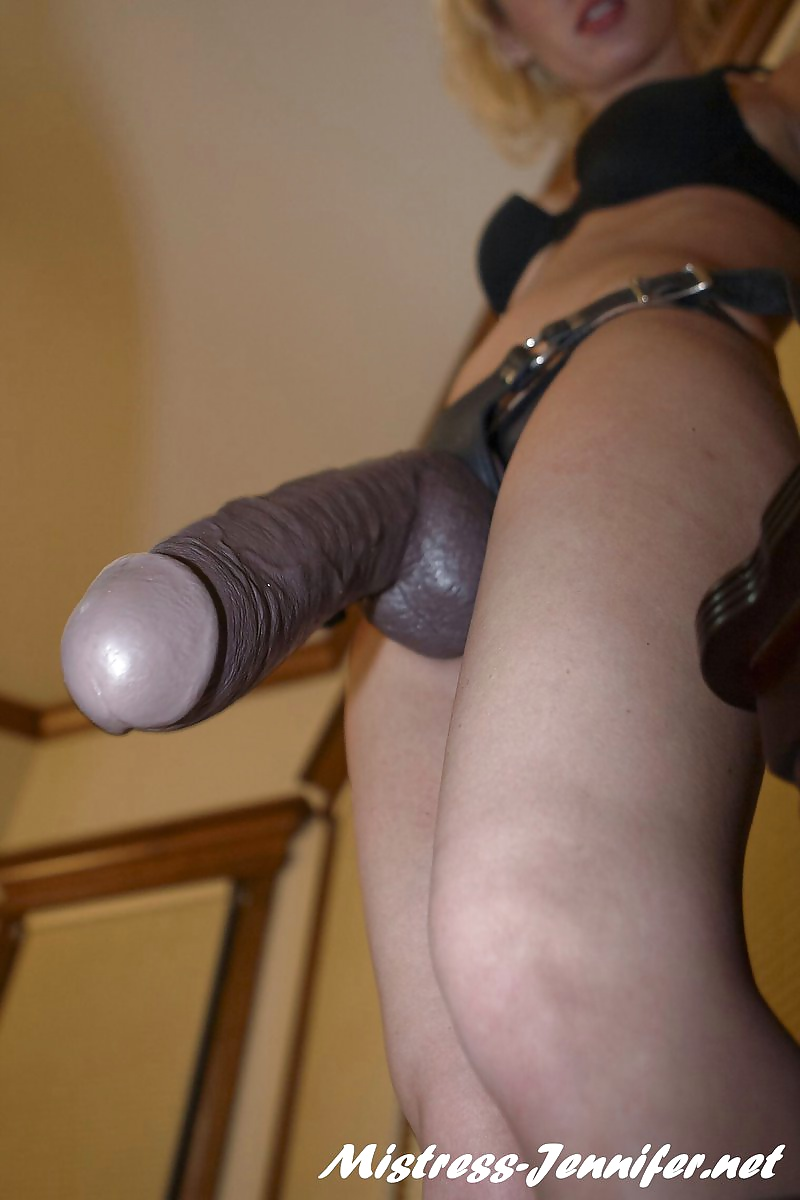 women-fucking-men-with-strap-on-dildos-midget-girls