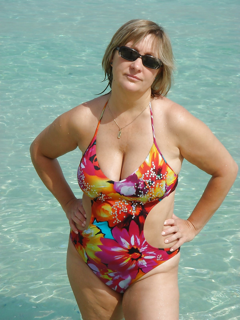 Hot Matures  Grannies In Swimsuits - 37 Pics - Xhamstercom-7107