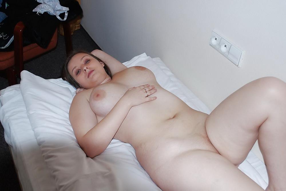 fat-polish-women-naked-playing-cock-handjob-latina