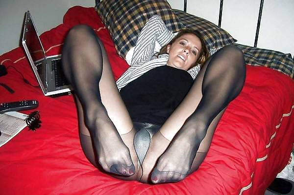 Amateur Girlfriends In Pantyhose Candid Nylon Blacked 1