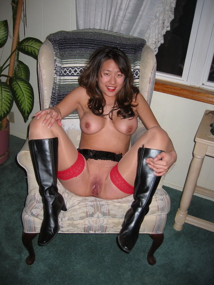 Traveling with an asian milf stepmom - 29 Pics