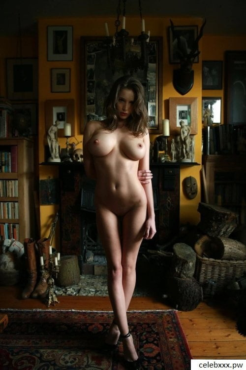 Naked hollywood actress