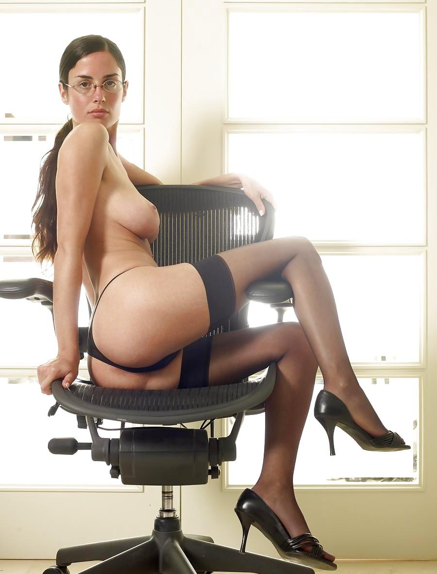 secretary-nude