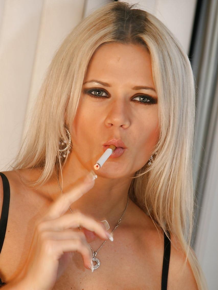 Free porn smoking pics
