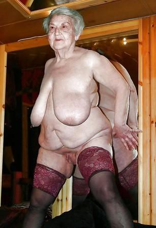 Frauen über 70 nackt