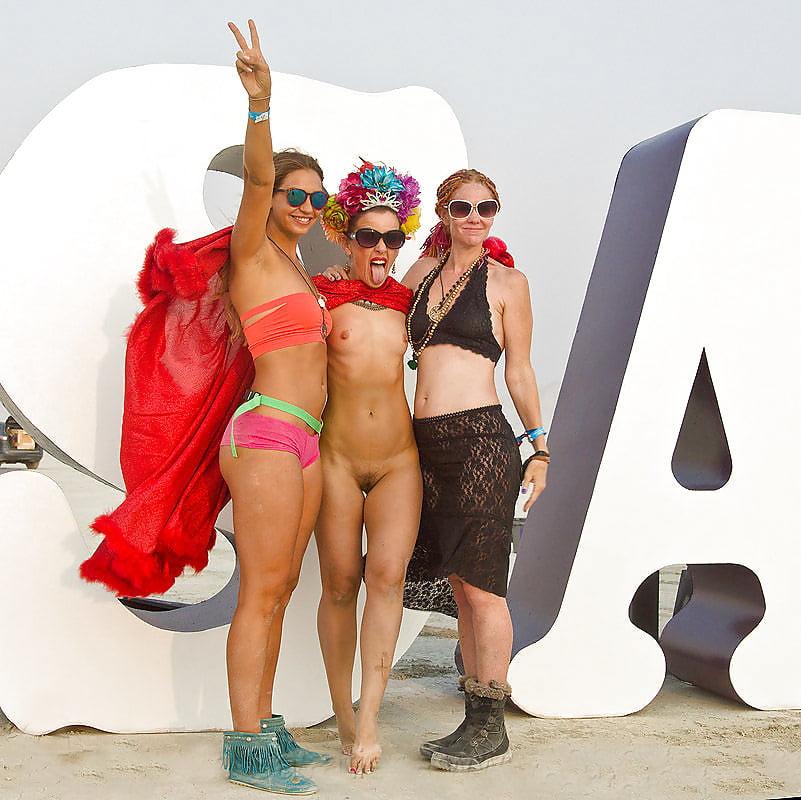 Naked burning man festival women 2