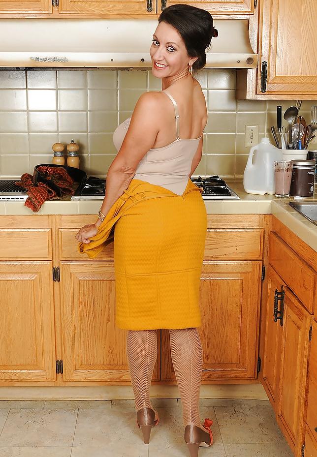 фото обнаженная женщина домохозяек с волосами на влагалище - 9