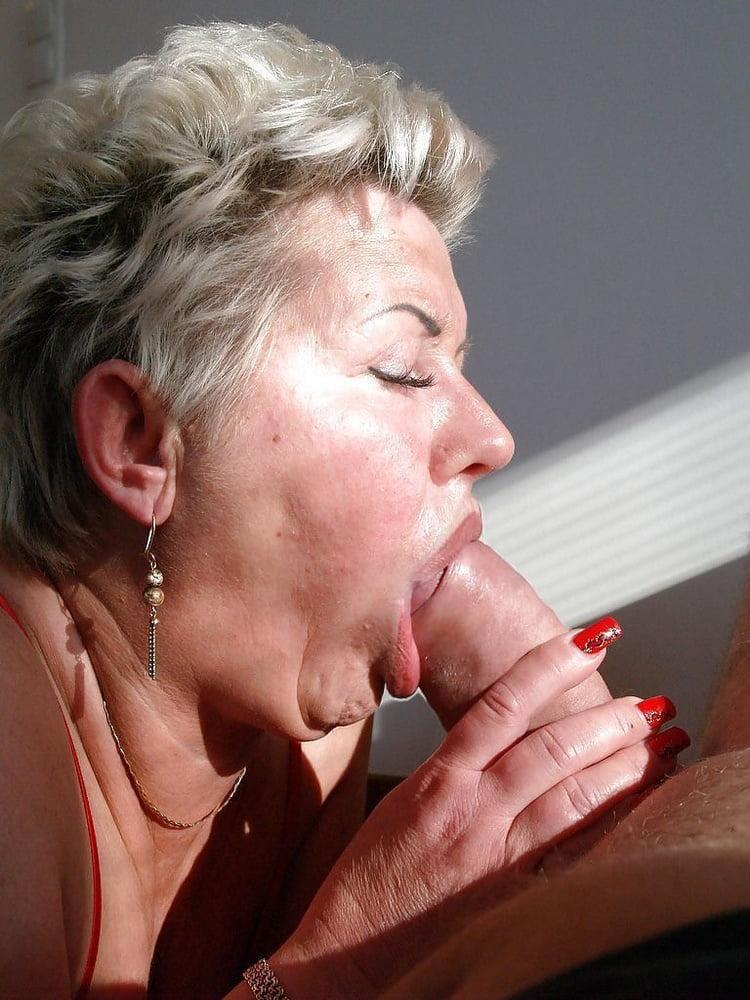 blowjobs-old-women-nude-boobs-secretaries-fucked