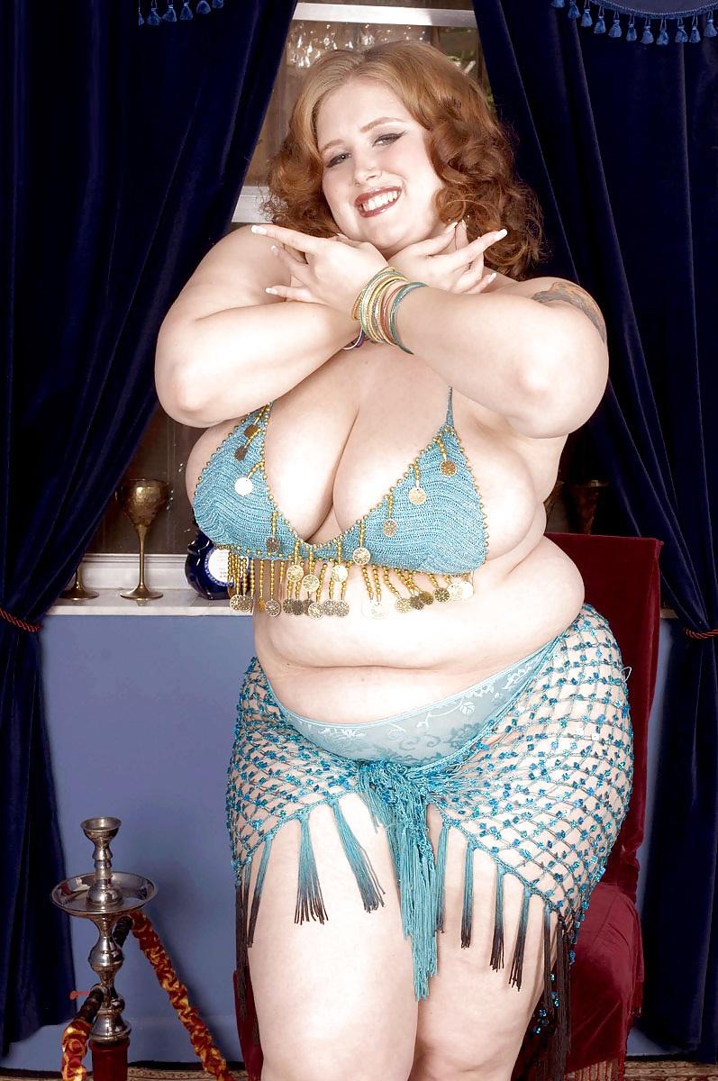 Видео восточные танцы обнаженных толстушек