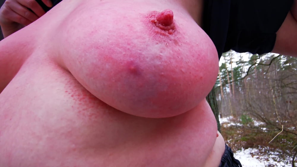 Titslapping in winter